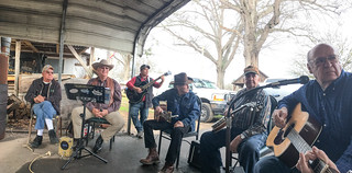 Musician's Circle at Pickens Flea Market-001