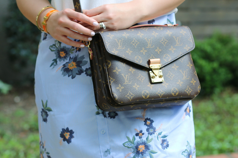 louis-vuitton-pochette-metis-crossbody-bag-hermes-bangle-3