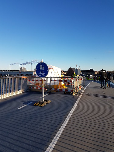 33026875494 1e19ae97e4 - Copenhagen's Fantastic & Stupid Bicycle Bridge Inderhavnsbro