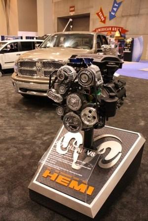 57L HEMI® V8 Engine Cutaway | Ram Trucks' 57L HEMI® V8