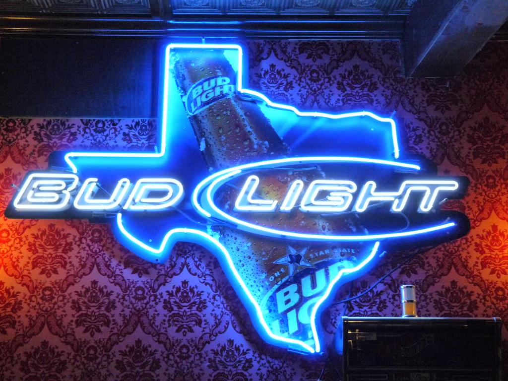 Neon Sign Bud Light