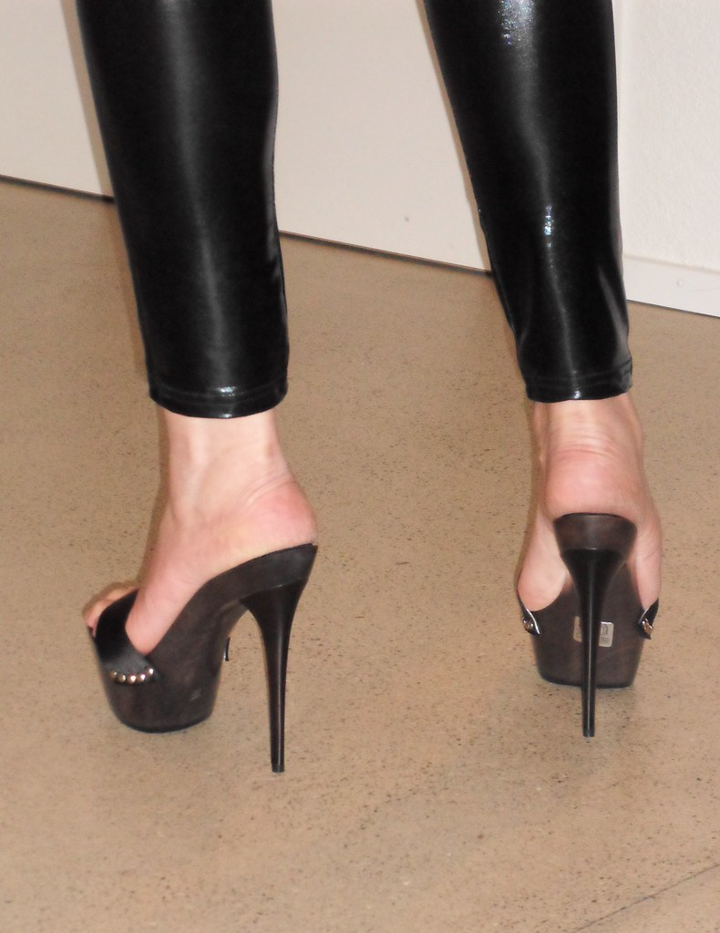 Beautiful High Heel Shoes Pictures