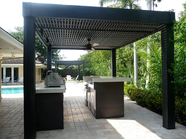 Custom Modern Outdoor Kitchen With Grill Patio Bar Pool