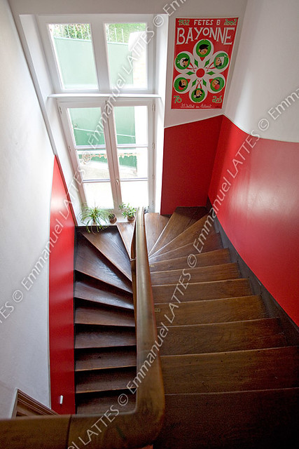 Cage Descalier Dans Une Maison Bourgeoise France Flickr