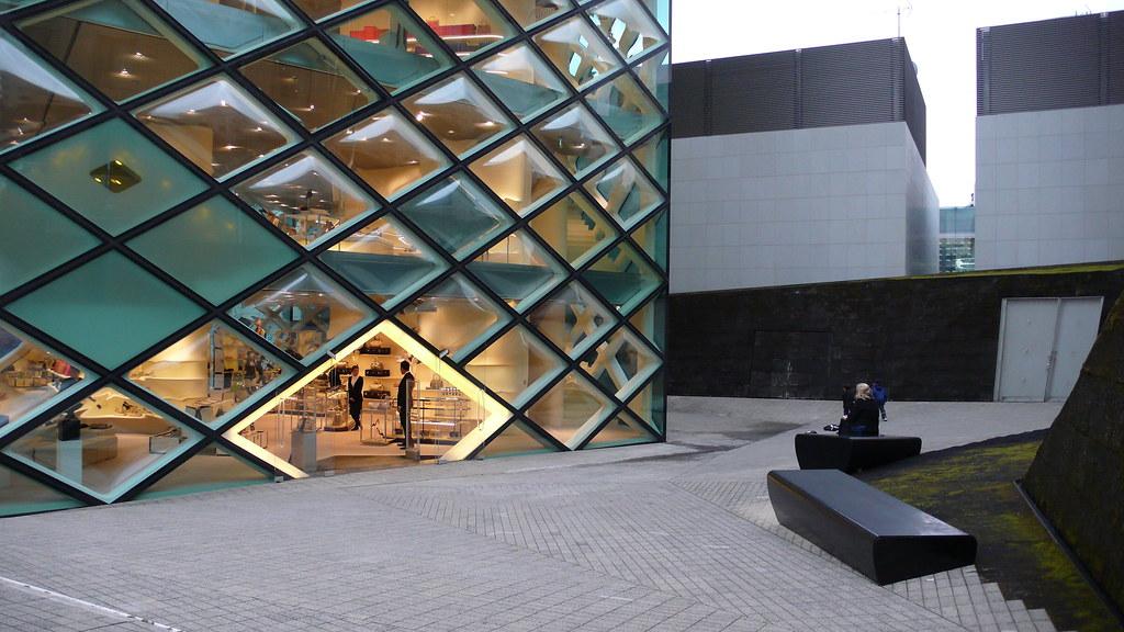 Prada Tokyo Prada Store Epicenter 5 2 6 Minami Aoyama