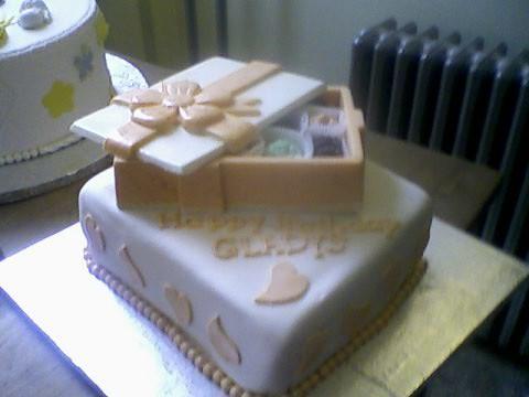 Bizcocho Dominicano Dominican Cake Covered In Fondant