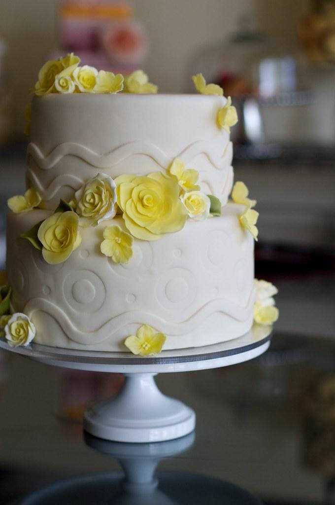 Yellow Roses Over Emboss Wedding Cake Wwwstudiocakecom