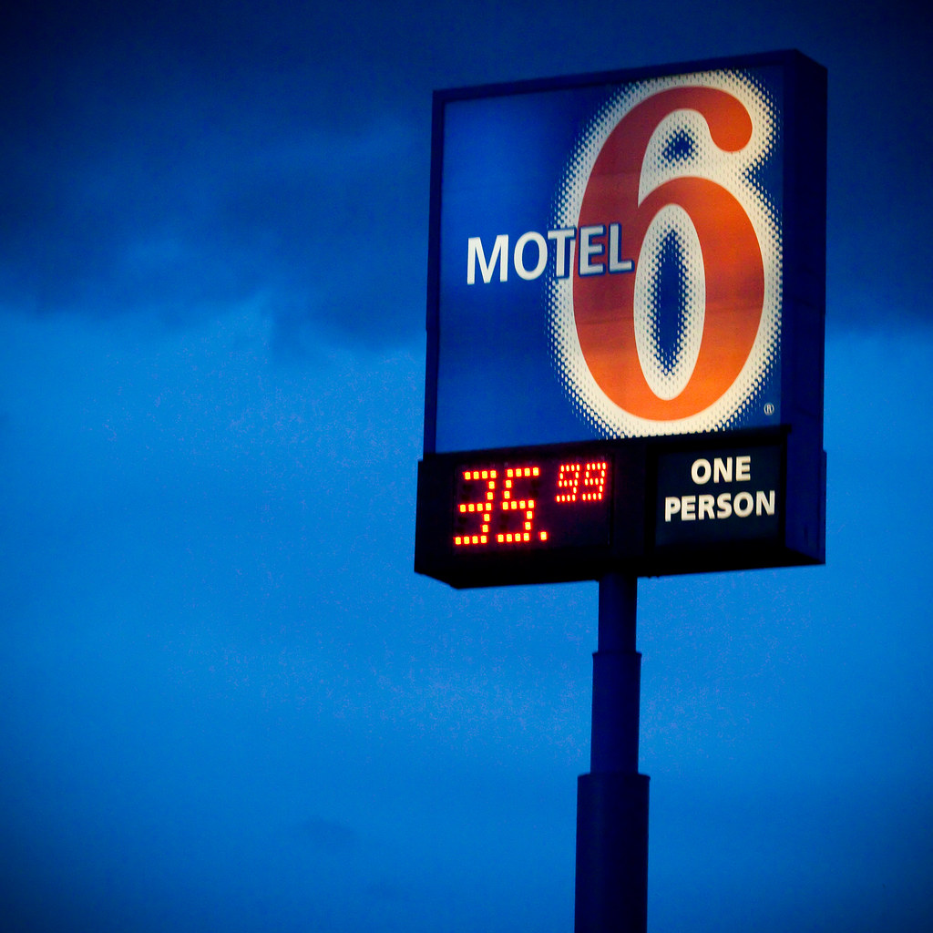 One Person Motel 6 Reno Airport Sparks Wwwmotel6com 24 Flickr