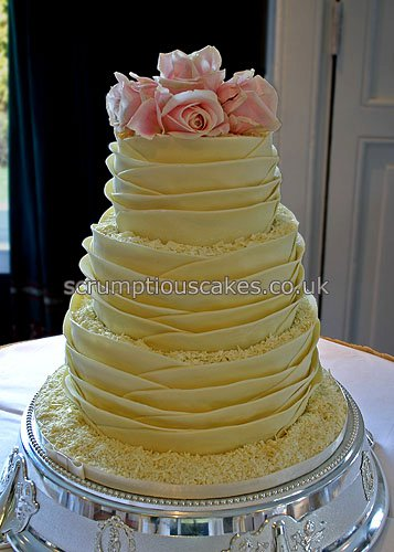 Wedding Cake White Chocolate Wrap Amp Fresh Pink Roses