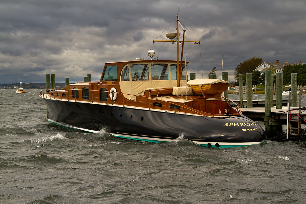 Aphrodite The Commuter Yacht The Classic Aphrodite On