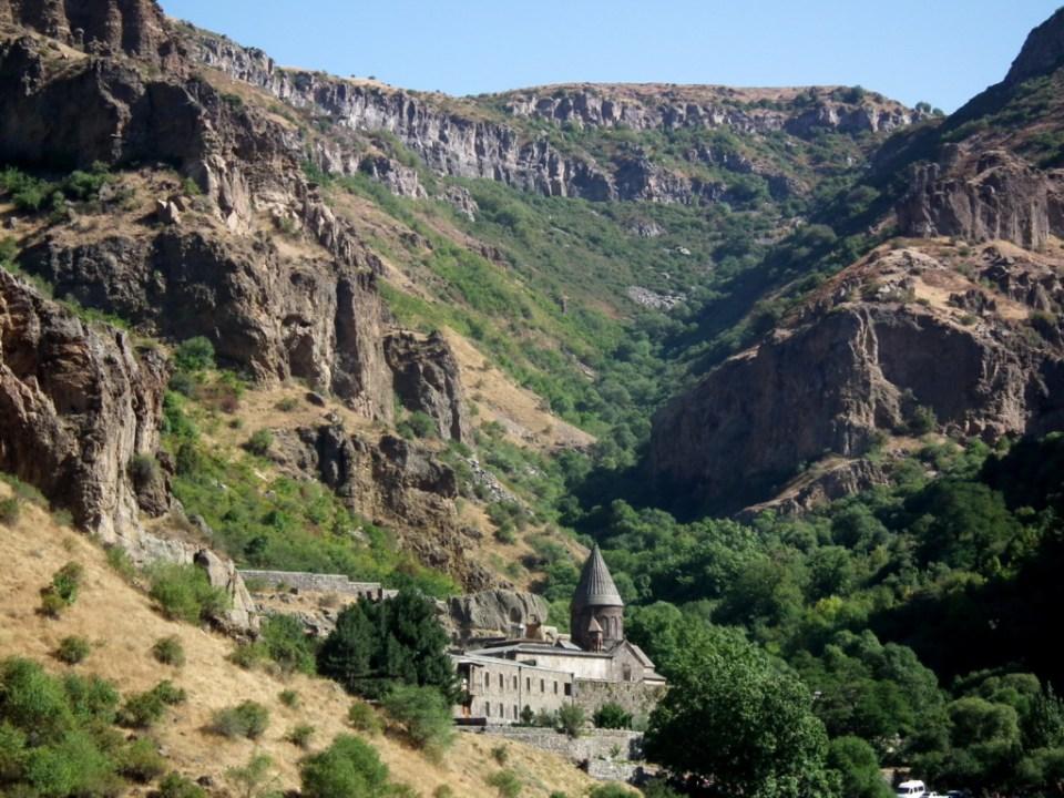Vista Monasterio Geghard Armenia Patrimonio Humanidad 01