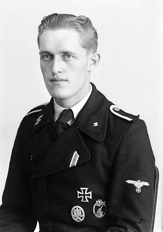 SS Unterscharfhrer Unidentified Panzer Soldier Of