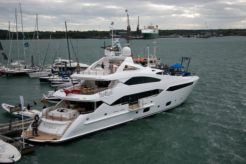 Sunseeker Tanvas Newly Unveiled 40m Pleasure Yacht