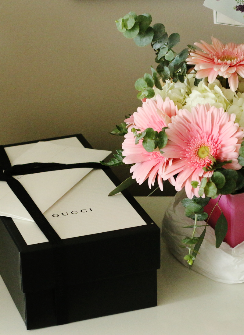 gucci-reveal-gifts-flowers-1