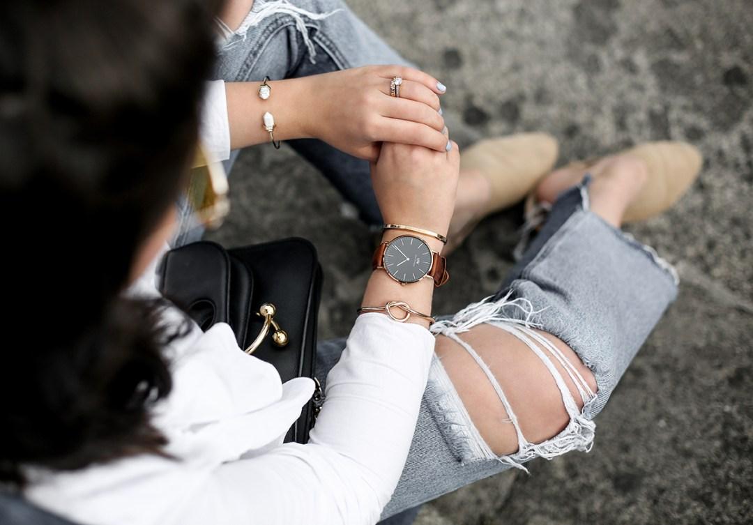 trench-denim-ripped-jeans-ruffle-blouse-zara-streetstyle
