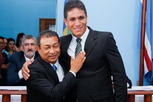 Leitor critica sindicato e vice por falta de transporte escolar na zona rural, Prefeito Chico Alfaia e o vice-prefeito Isomar Barros, de Óbidos