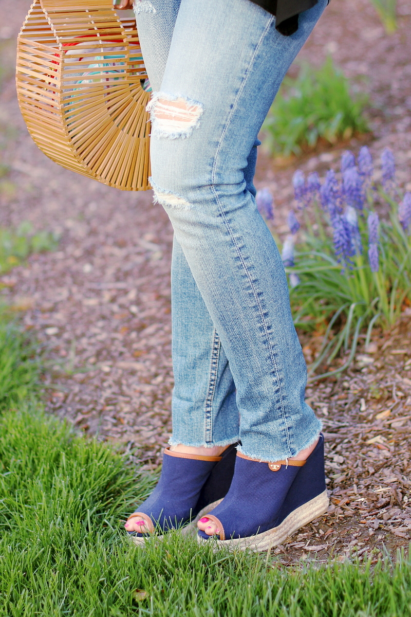 skinny-fringe-jeans-tory-burch-mules-2