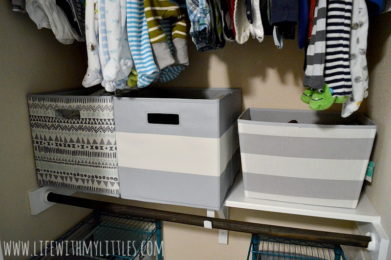 These tips for organizing baby's closet are so helpful! Number three is so important!