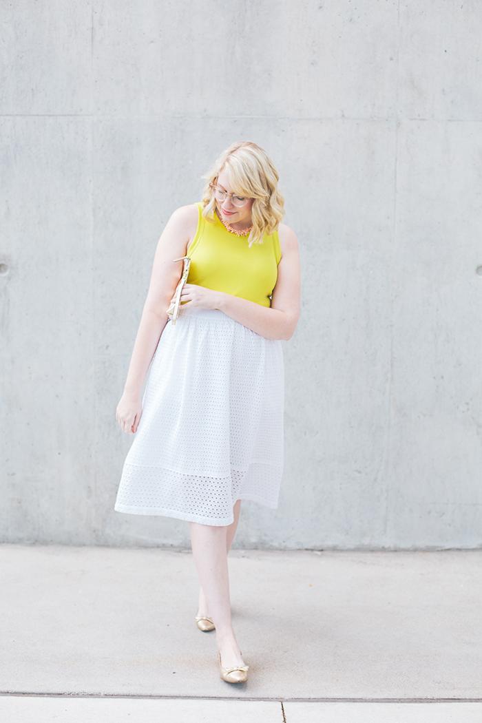 austin fashion blogger writes like a girl white eyelet skirt4