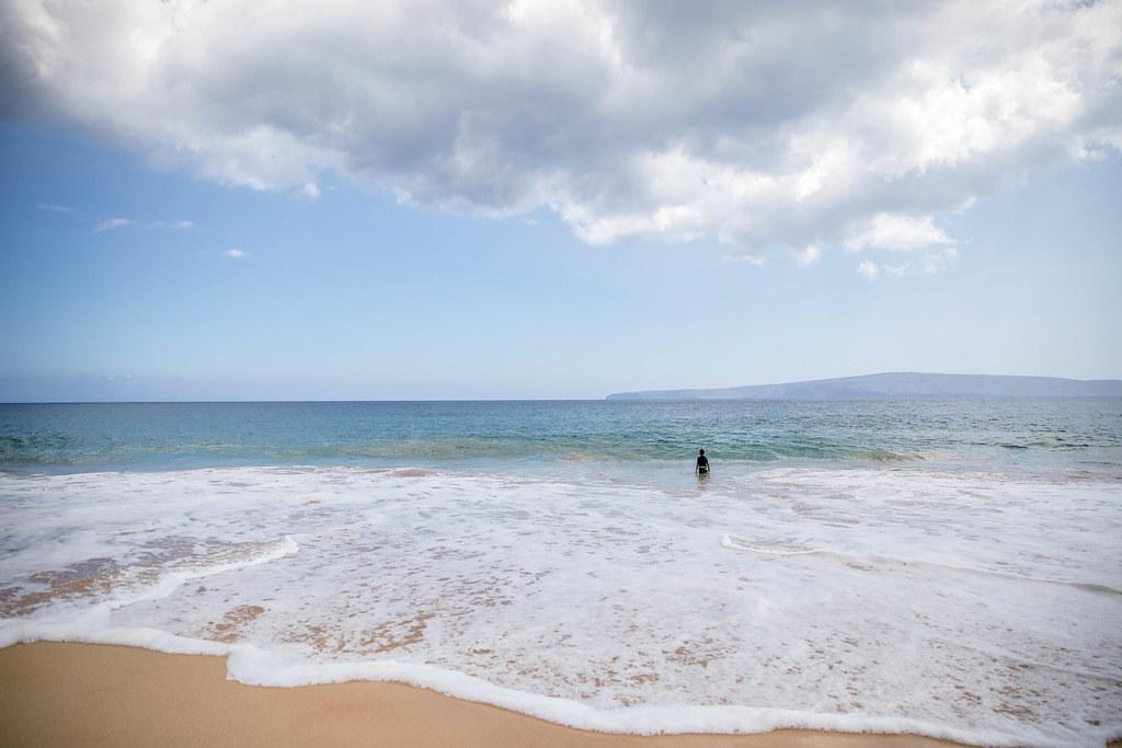 LARGEST SANDY BEACH IN MAUI: MAKENA BEACH - Maui Travel Tips, Best beach in Maui, Hawaii Travel Tips | Wanderlustyle.com
