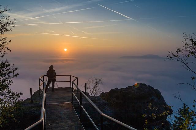 Die Fotografin über dem Nebelmeer...