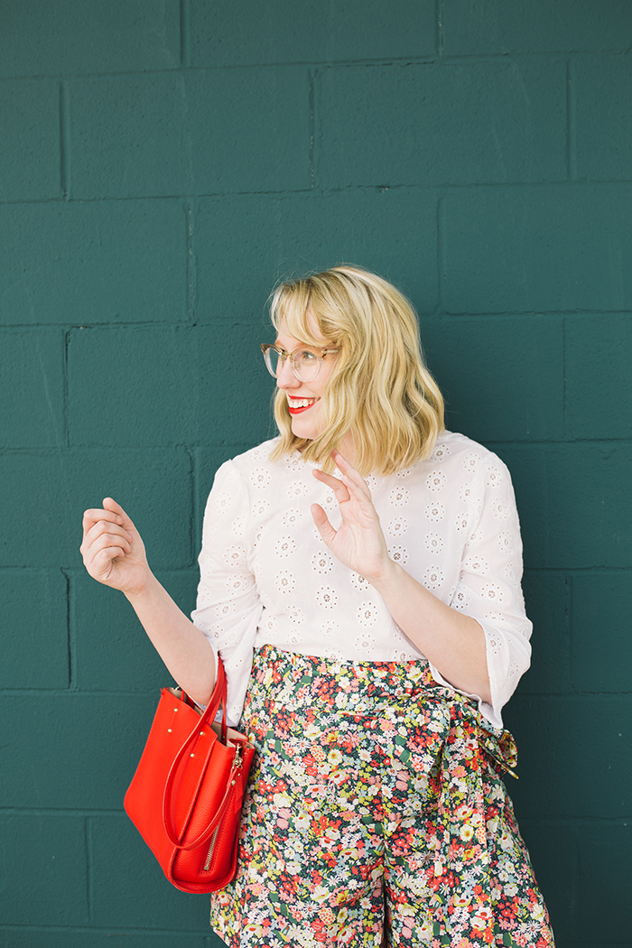 austin style blogger writes like a girl floral jcrew tie waist shorts16