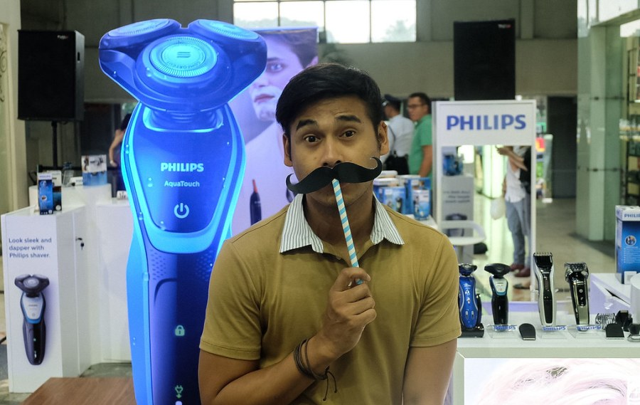 PHILIPS AQUATOUCH WET & DRY ELECTRIC SHAVER09