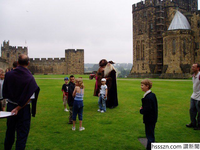 The-castle-became-very-popular-after-its-appearance-in-the-Harry-Potter-films-as-Hogwarts-School-of-Magic.-Photo-Credit-640x480_640_480