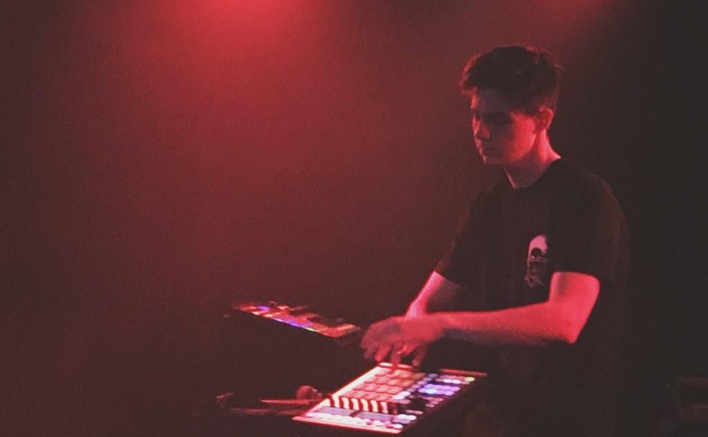 Live Music Junkie (1) | prettynaive