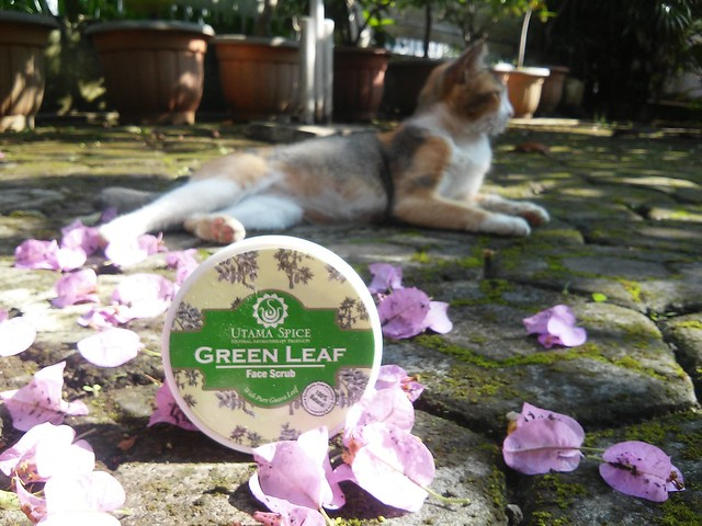 Utama Spice Green Leaf Face Scrub