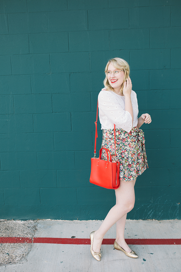 austin style blogger writes like a girl floral jcrew tie waist shorts10