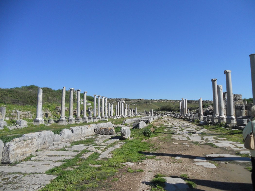 Perge's colonnaded boulevards