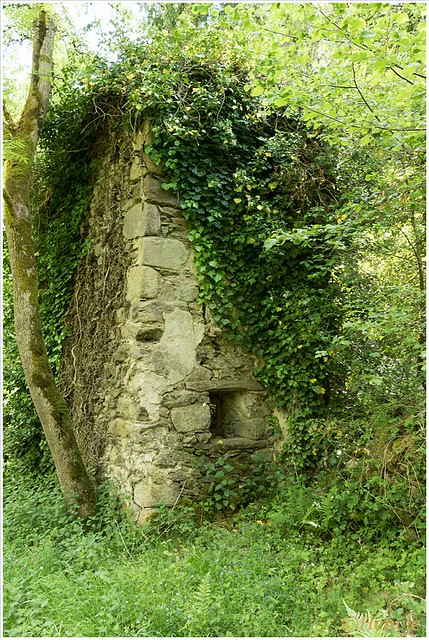 De verlaten huizen van Issangolandes