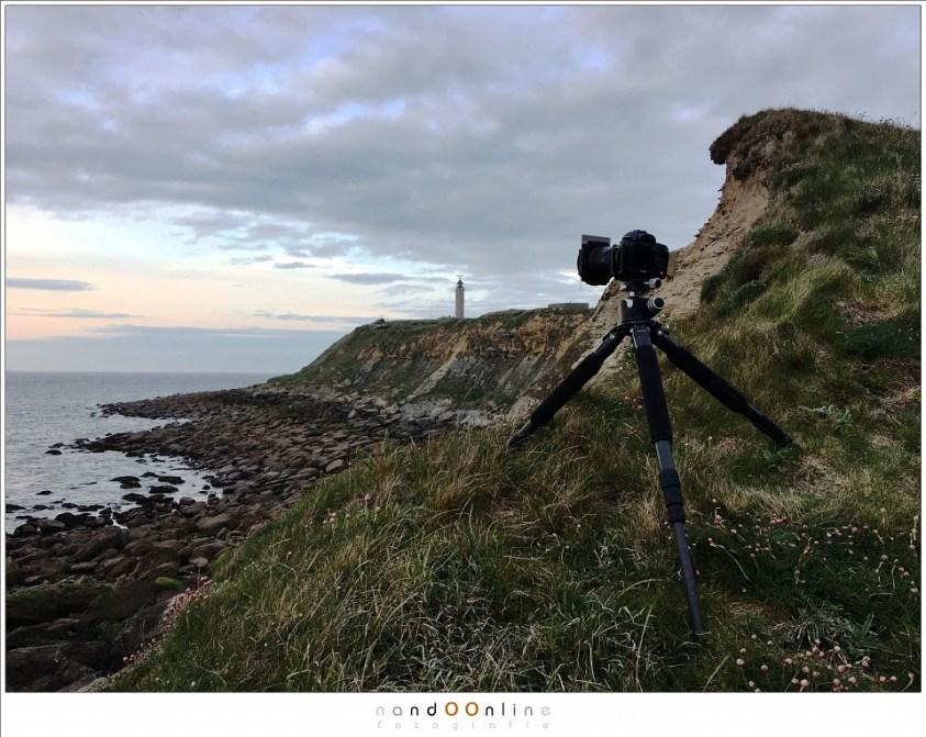 Landschappen fotograferen met lange sluitertijden aan Cap Gris Nez (Opaalkust), op eenstevig statief onder winderige omstandigheden.