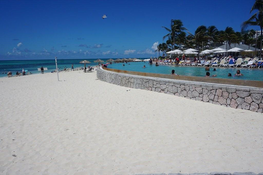 grand lucayan resort beach