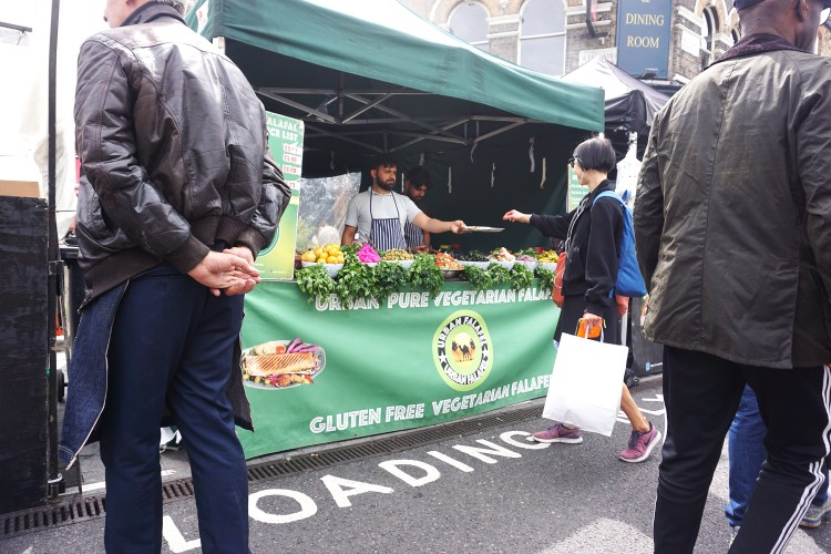 Gluten Free Vegetarian Falafel stand in Broadway Market | gluten free Broadway market guide | Hackney, London