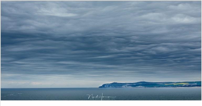 Cap Blanc Nez aan de horizon, gezien vanaf Cap Gris Nez (EOS 5D mark IV + EF70-200L II @ 80mm   ISO100   f/7,1   t=1/160sec)