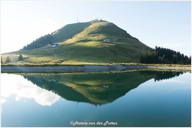 De Salvensee. Boven van de berg komen we vandaan. Even rusten voor de volgende etappe, maar vooral genieten van al het moois.