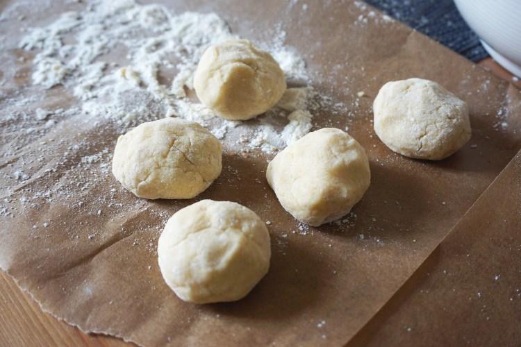 Gluten free Dutch waffles (stroopwafels) making process | lightly floured dough balls