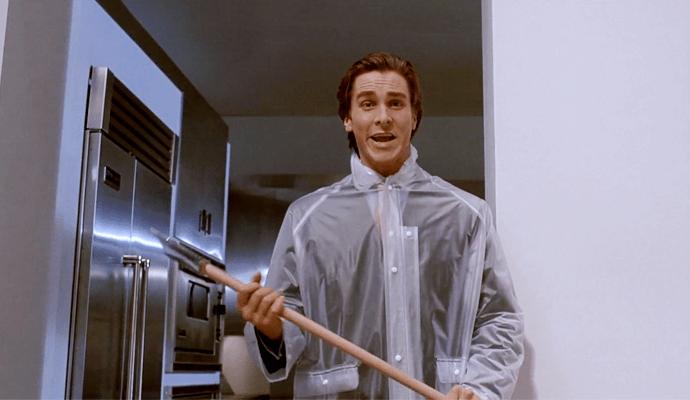 """Christian Bale en la película """"American Psycho"""" (2000), en la que interpreta a Patrick Bateman, un yuppie psicópata que se convierte en asesino en serie. (Psicopatía)"""