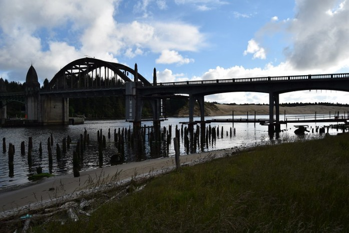 Siuslaw River Bridge in Florence, Oregon - Construido en 1936