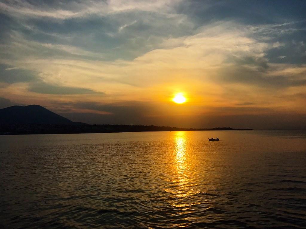 υπεροχο ηλιοβασιλεμα στον ευβοικο