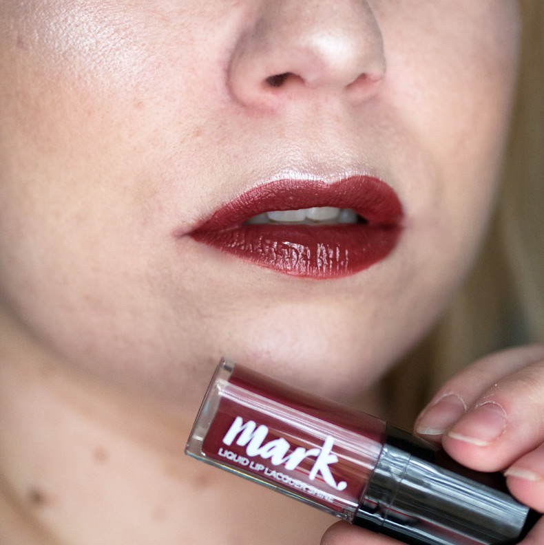 avon mark liquid lip lacquer caffeined