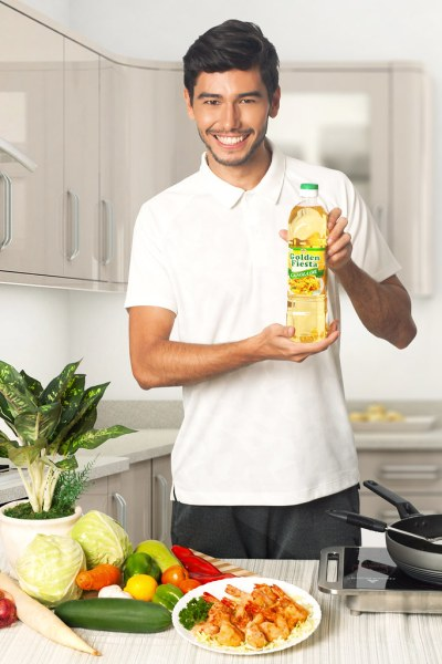 Choose the cooking oil that's best for you with Golden Fiesta Canola Oil, which is rich in the heart-healthy phytosterol that reduces cholesterol level by up to 15 percent.