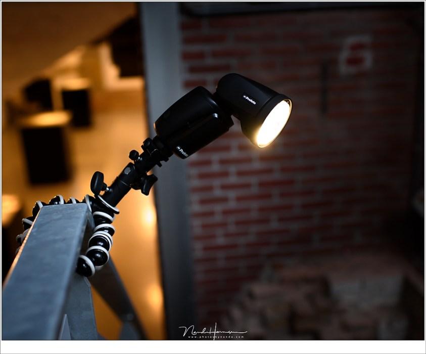 De Gorillapod, ooit gekocht als klein handzaam statief voor de camera, dient perfect als lampstatief, mits je flitser niet te zwaar is.