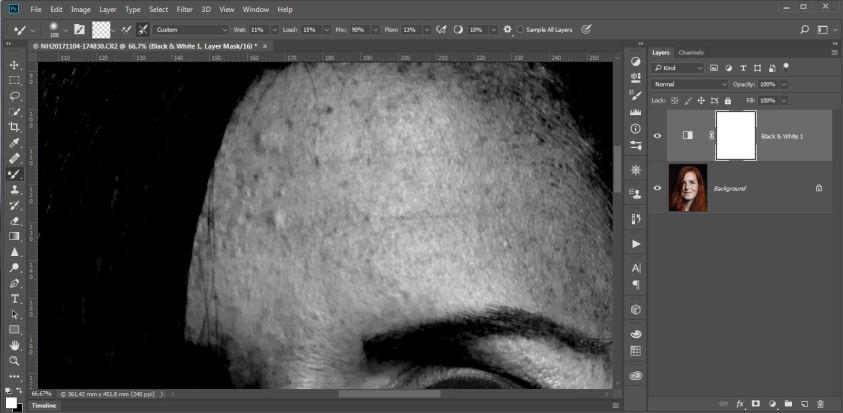 De oneffenheden op de huid worden op deze manier heel duidelijk. Dit maakt het weghalen een stuk eenvoudiger. Maak hiervoor een extra laag tussen de