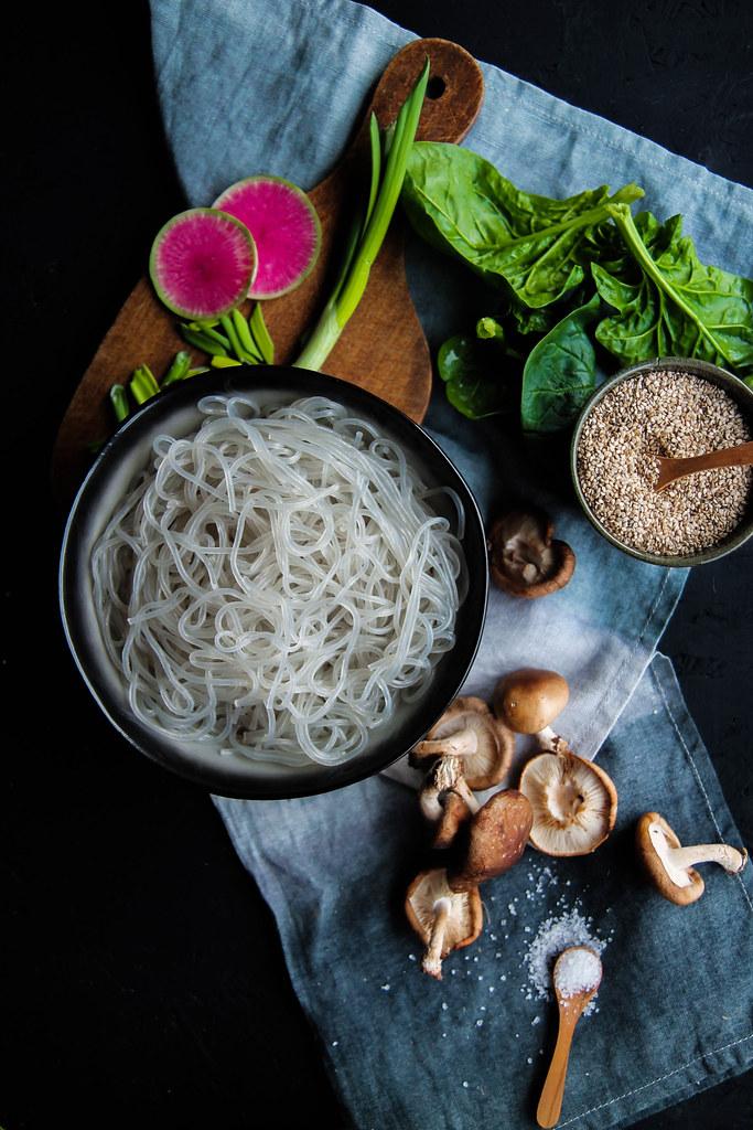Nouilles sautées aux légumes Japchae
