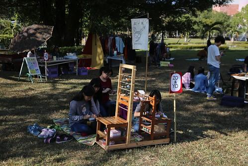 用小學椅做一個擺攤的推車(13.4ys)
