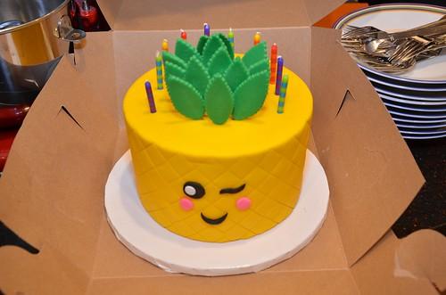 Pineapple Emoji Birthday Cake It Was Shaped Like A Pineapp Flickr