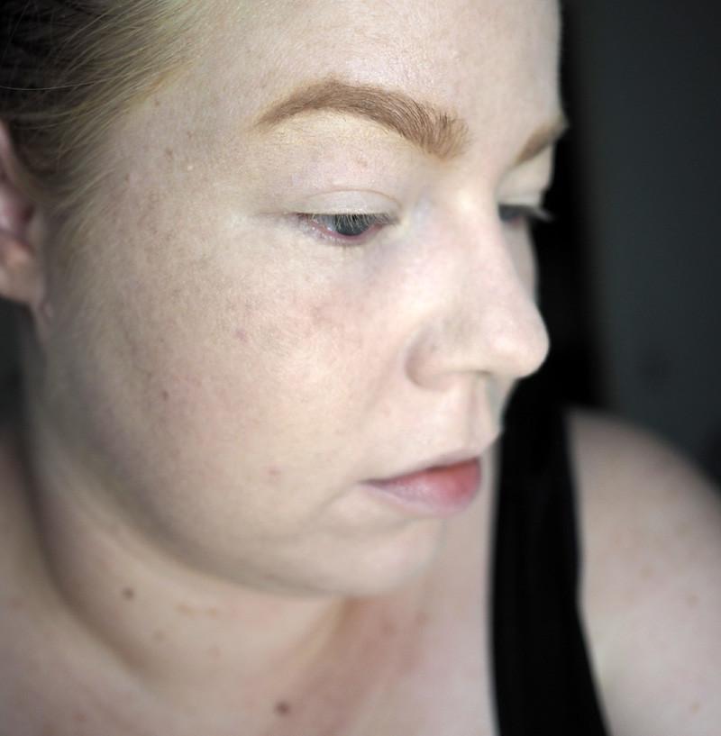 benefit brow contour pro light